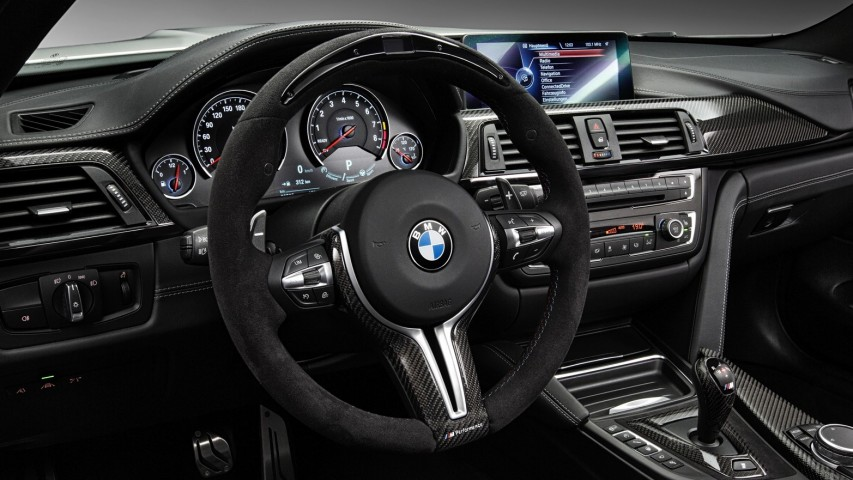 M Performance Lenkrad mit Race Display - M2